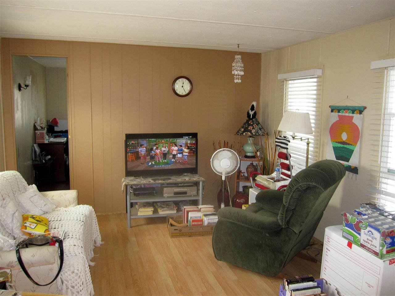 Photo 3: Photos: 24 21163 LOUGHEED Highway in Maple Ridge: Southwest Maple Ridge Manufactured Home for sale : MLS®# R2297032