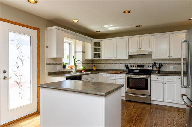 Photo 2: Photos: 42 Stonington Bay in Winnipeg: Linden Woods Residential for sale (1M)  : MLS®# 1910958