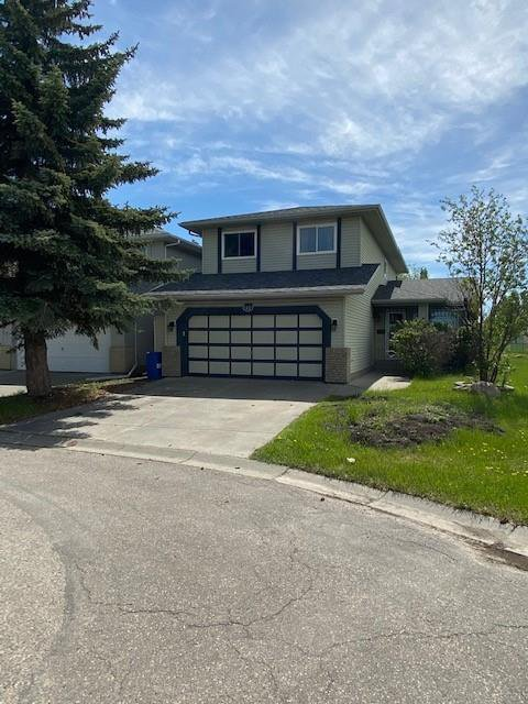 Main Photo: 41 SUNDOWN Close SE in Calgary: Sundance Detached for sale : MLS®# C4299342