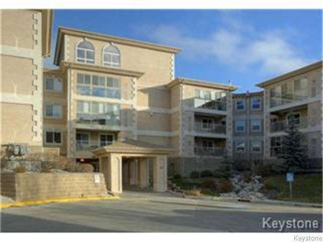 Main Photo: 93 SWINDON Way in WINNIPEG: River Heights / Tuxedo / Linden Woods Condominium for sale (South Winnipeg)  : MLS®# 1401887