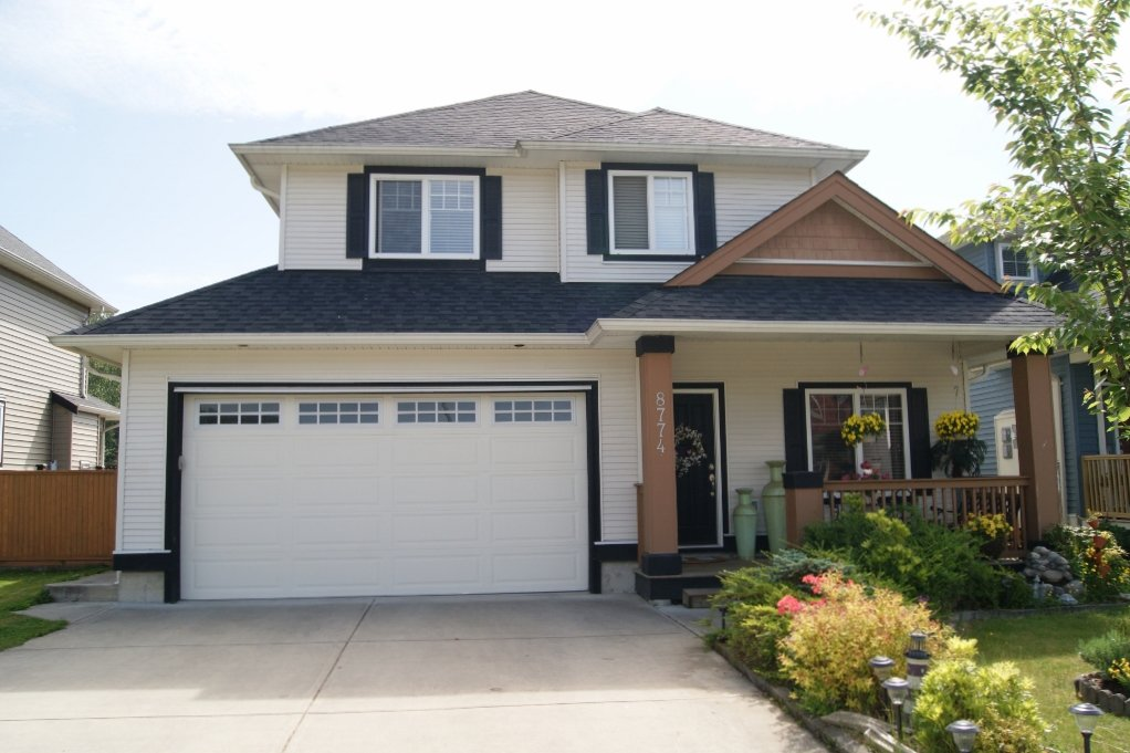 Main Photo: 8774 MACHELL Street in Mission: Mission BC House for sale : MLS®# F1412140