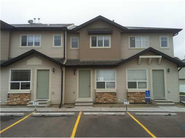 Main Photo: 26 SADDLEBROOK Point NE in Calgary: Saddleridge Townhouse for sale : MLS®# C3544638