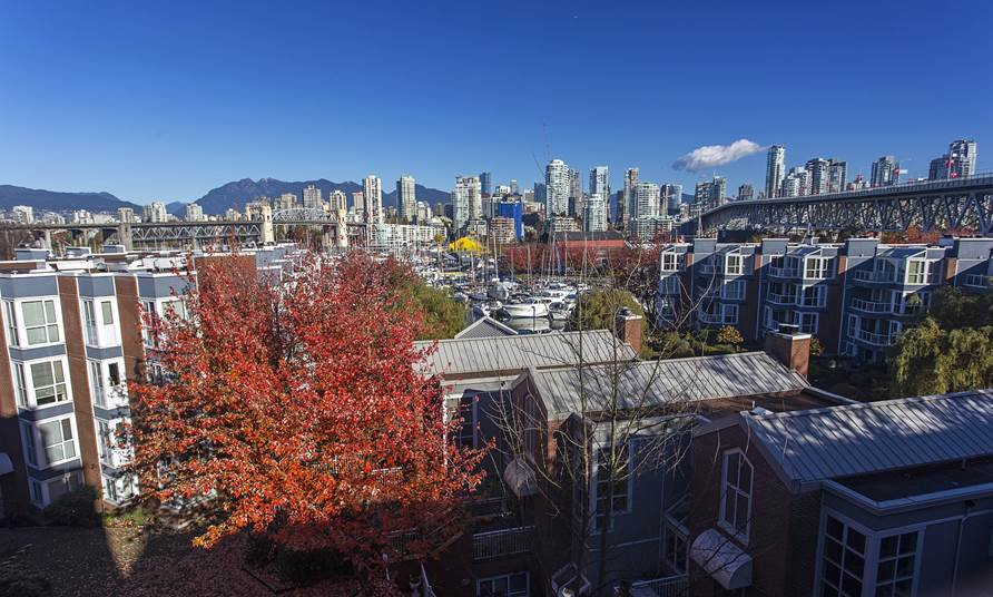 "Main Photo: 505 1508 MARINER Walk in Vancouver: False Creek Condo for sale in ""MARINER POINT"" (Vancouver West)  : MLS®# V1098904"