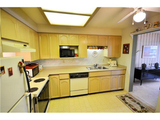 Photo 14: Photos: 301 1210 QUAYSIDE Drive in New Westminster: Quay Condo for sale : MLS®# V1099509