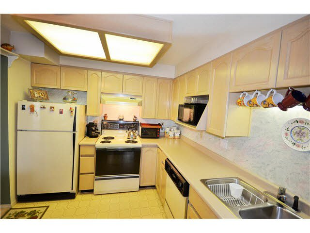 Photo 15: Photos: 301 1210 QUAYSIDE Drive in New Westminster: Quay Condo for sale : MLS®# V1099509