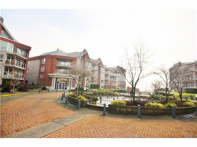 Photo 12: Photos: 301 1210 QUAYSIDE Drive in New Westminster: Quay Condo for sale : MLS®# V1099509