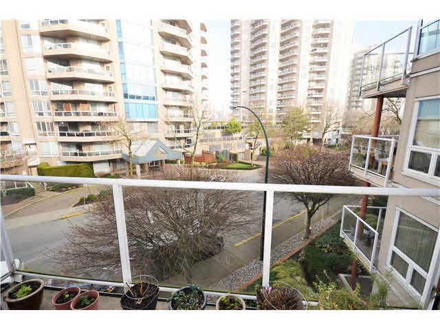 Photo 20: Photos: 301 1210 QUAYSIDE Drive in New Westminster: Quay Condo for sale : MLS®# V1099509