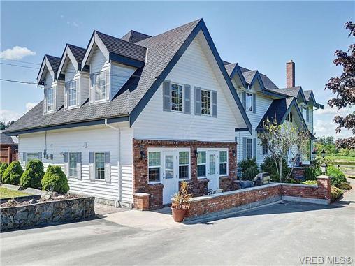 Main Photo: 5960 HUNT Road in VICTORIA: SE Cordova Bay Single Family Detached for sale (Saanich East)  : MLS®# 351947