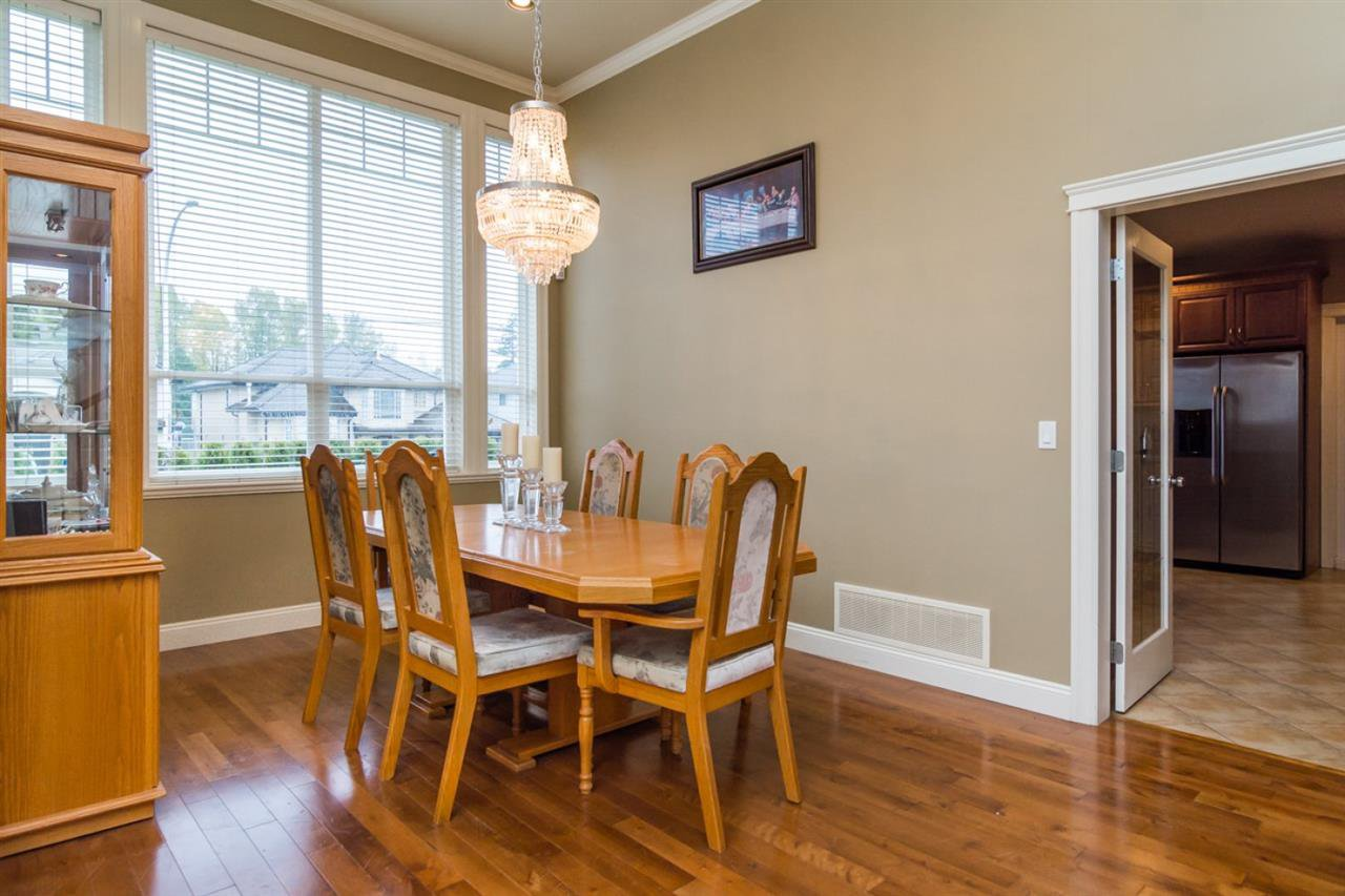 Photo 4: Photos: 10811 157A Street in Surrey: Fraser Heights House for sale (North Surrey)  : MLS®# R2021715