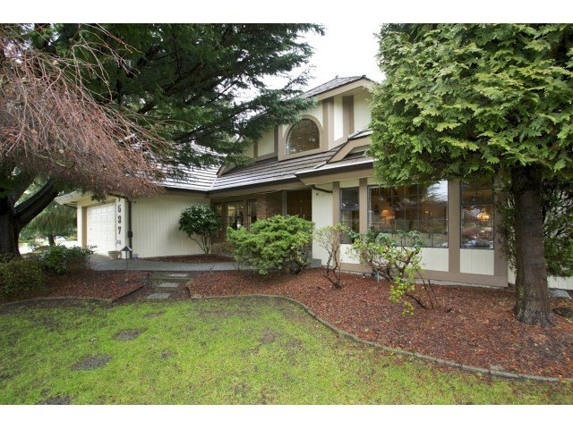 "Main Photo: 7537 150A Street in Surrey: East Newton House for sale in ""CHIMNEY HILL"" : MLS®# R2024417"