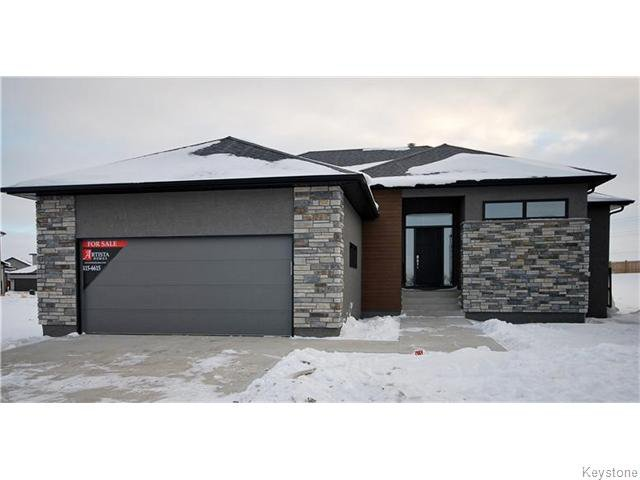 Main Photo: 34 Blackheath Close in WINNIPEG: St Vital Residential for sale (South East Winnipeg)  : MLS®# 1600984