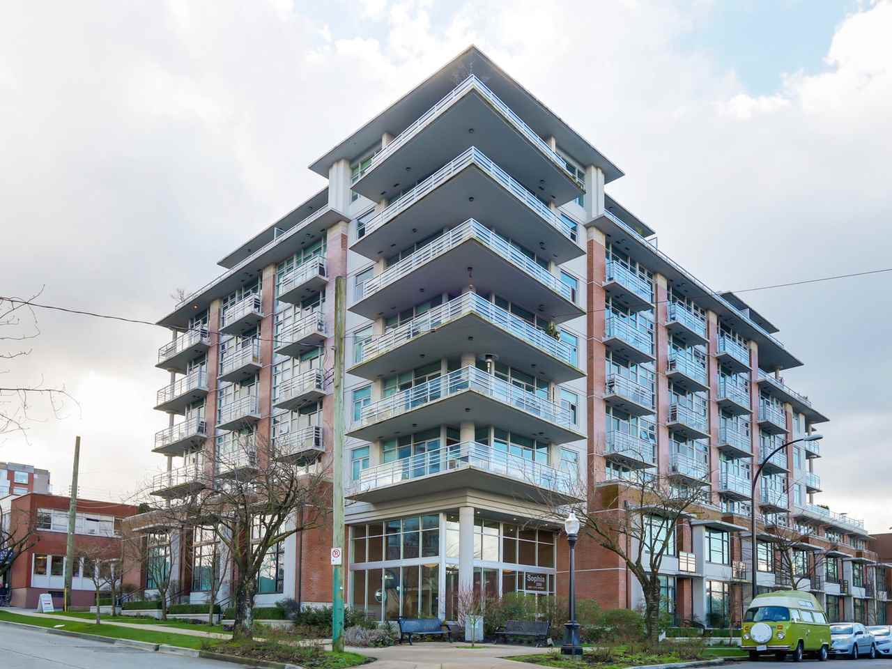 "Main Photo: 711 298 E 11TH AVENUE Avenue in Vancouver: Mount Pleasant VE Condo for sale in ""The SOPHIA"" (Vancouver East)  : MLS®# R2037901"