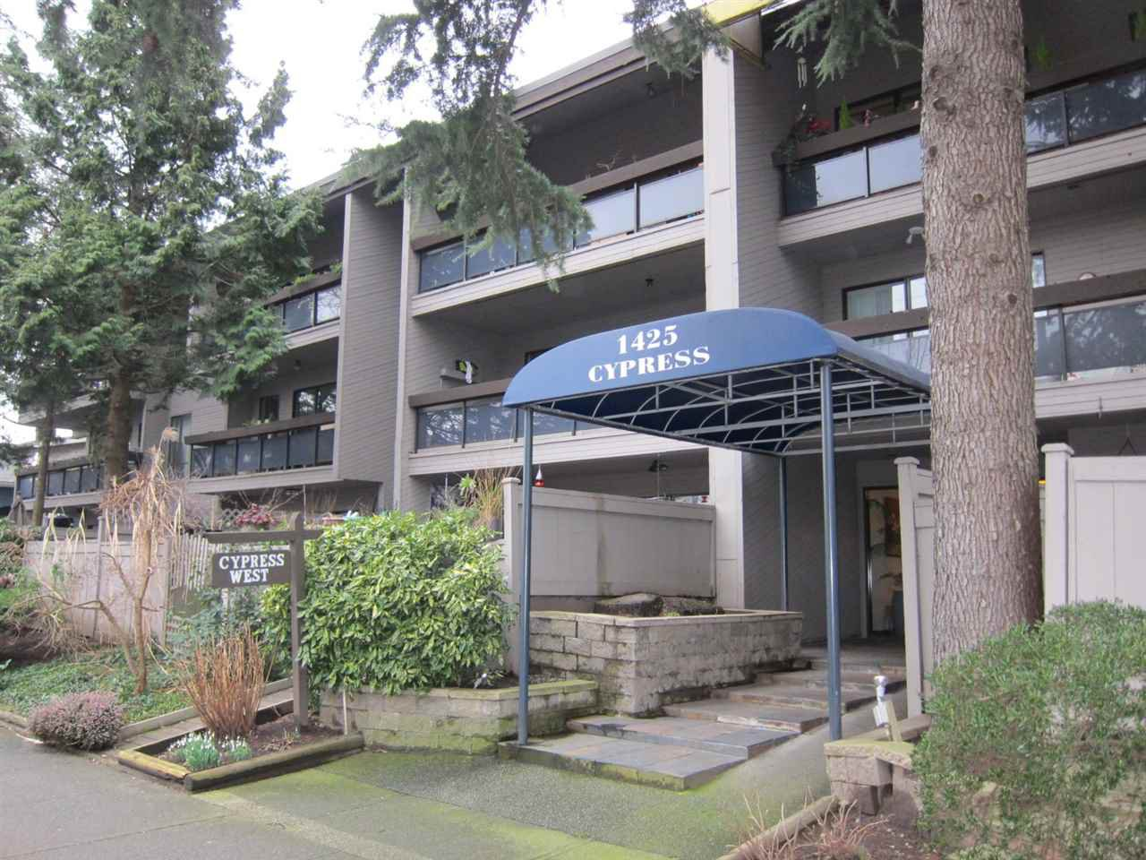 "Main Photo: 208 1425 CYPRESS Street in Vancouver: Kitsilano Condo for sale in ""CYPRESS WEST"" (Vancouver West)  : MLS®# R2039250"