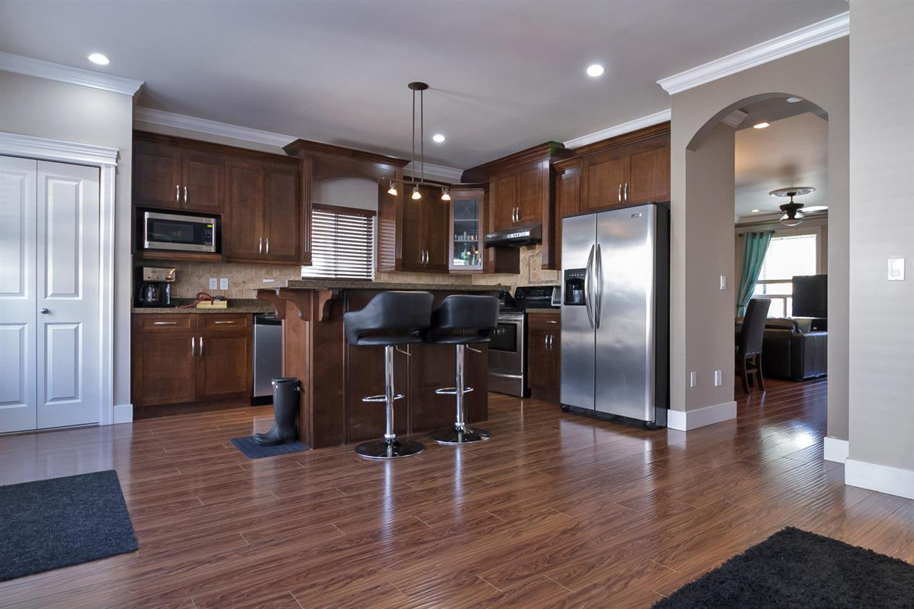 Photo 5: Photos: 19167 69A Avenue in Surrey: Clayton House for sale (Cloverdale)  : MLS®# R2050327