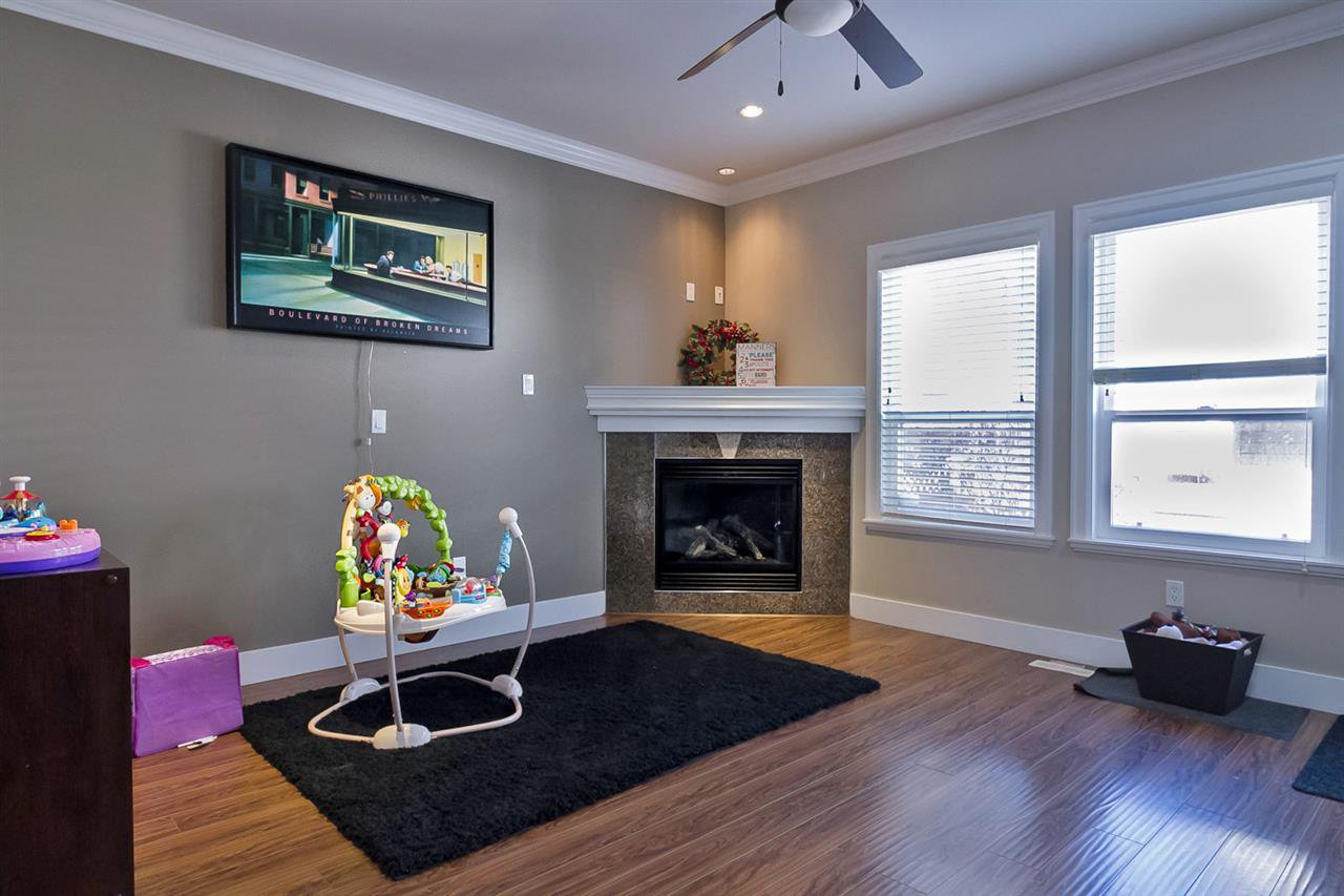 Photo 8: Photos: 19167 69A Avenue in Surrey: Clayton House for sale (Cloverdale)  : MLS®# R2050327
