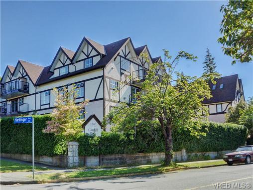 Main Photo: 204 1246 Fairfield Rd in VICTORIA: Vi Fairfield West Condo for sale (Victoria)  : MLS®# 740928