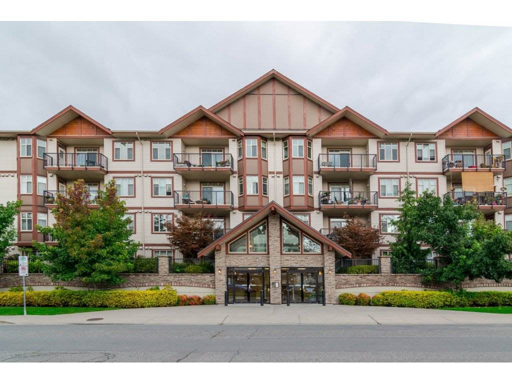 "Main Photo: 200 45615 BRETT Avenue in Chilliwack: Chilliwack W Young-Well Condo for sale in ""The Regent on Brett"" : MLS®# R2115723"