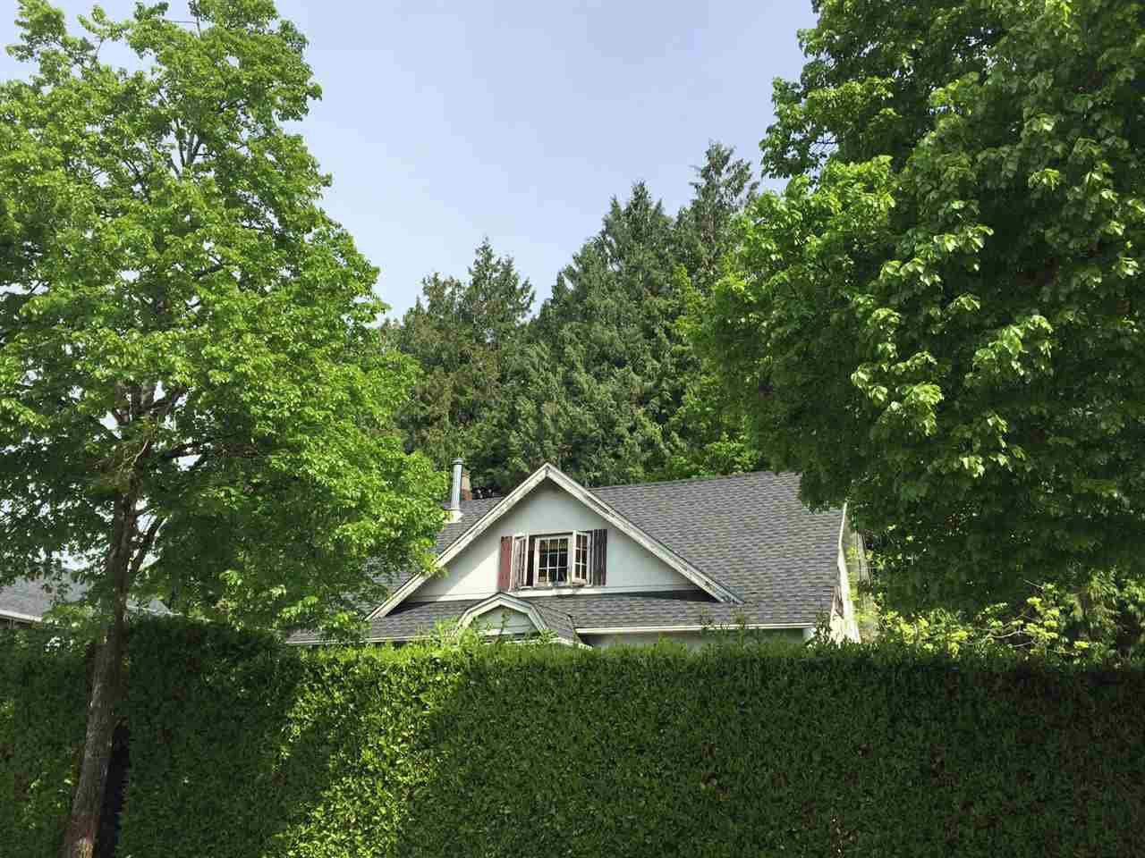 "Main Photo: 857 E 45TH Avenue in Vancouver: Fraser VE House for sale in ""Fraser"" (Vancouver East)  : MLS®# R2168732"