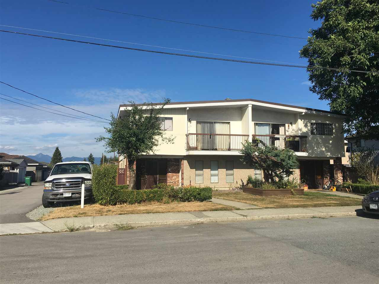 Main Photo: 7578 - 7580 4TH Street in Burnaby: East Burnaby House Duplex for sale (Burnaby East)  : MLS®# R2197532