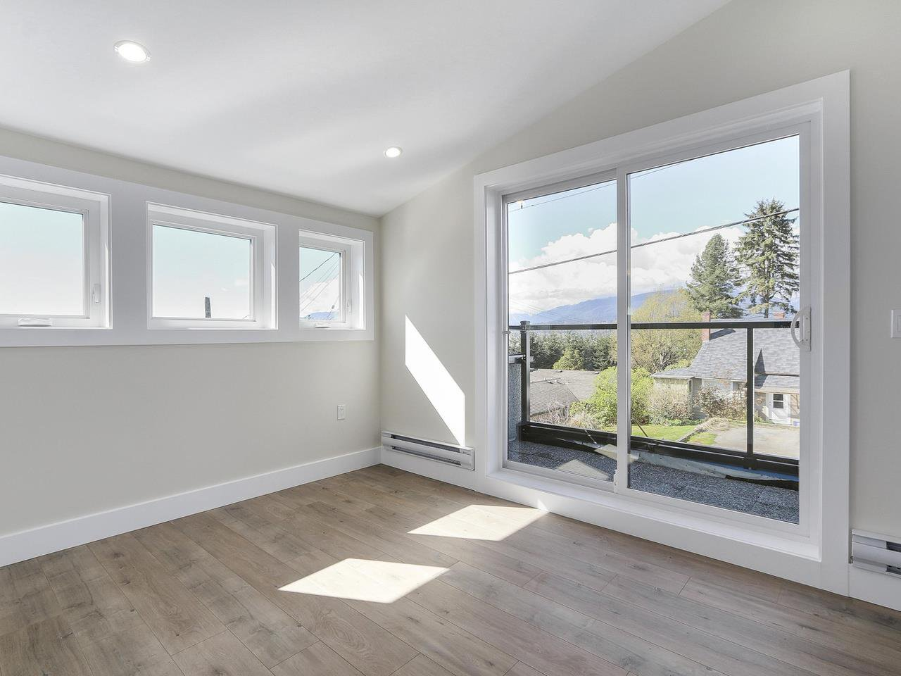 Photo 19: Photos: 3539 ETON STREET in Vancouver: Hastings East House for sale (Vancouver East)  : MLS®# R2159493
