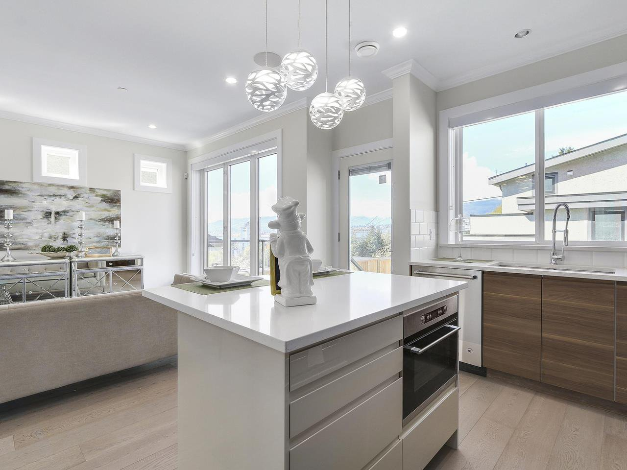 Photo 9: Photos: 3539 ETON STREET in Vancouver: Hastings East House for sale (Vancouver East)  : MLS®# R2159493