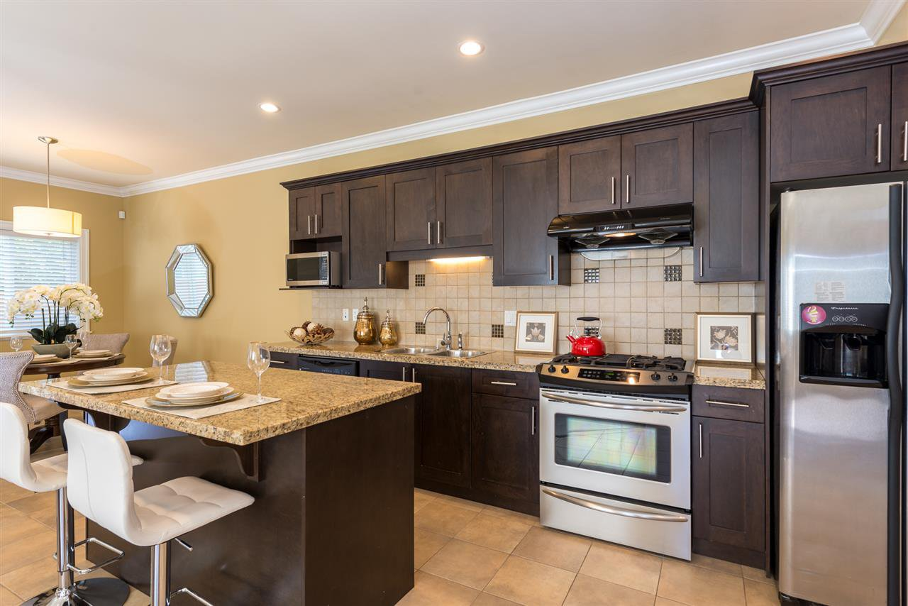 """Photo 3: Photos: 13 9733 NO 2 Road in Richmond: Lackner Townhouse for sale in """"TERASA GREEN"""" : MLS®# R2205305"""