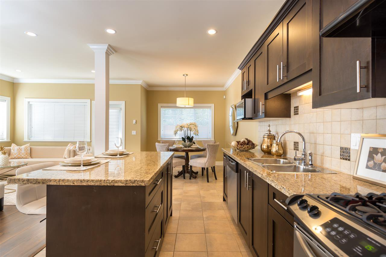 """Photo 2: Photos: 13 9733 NO 2 Road in Richmond: Lackner Townhouse for sale in """"TERASA GREEN"""" : MLS®# R2205305"""