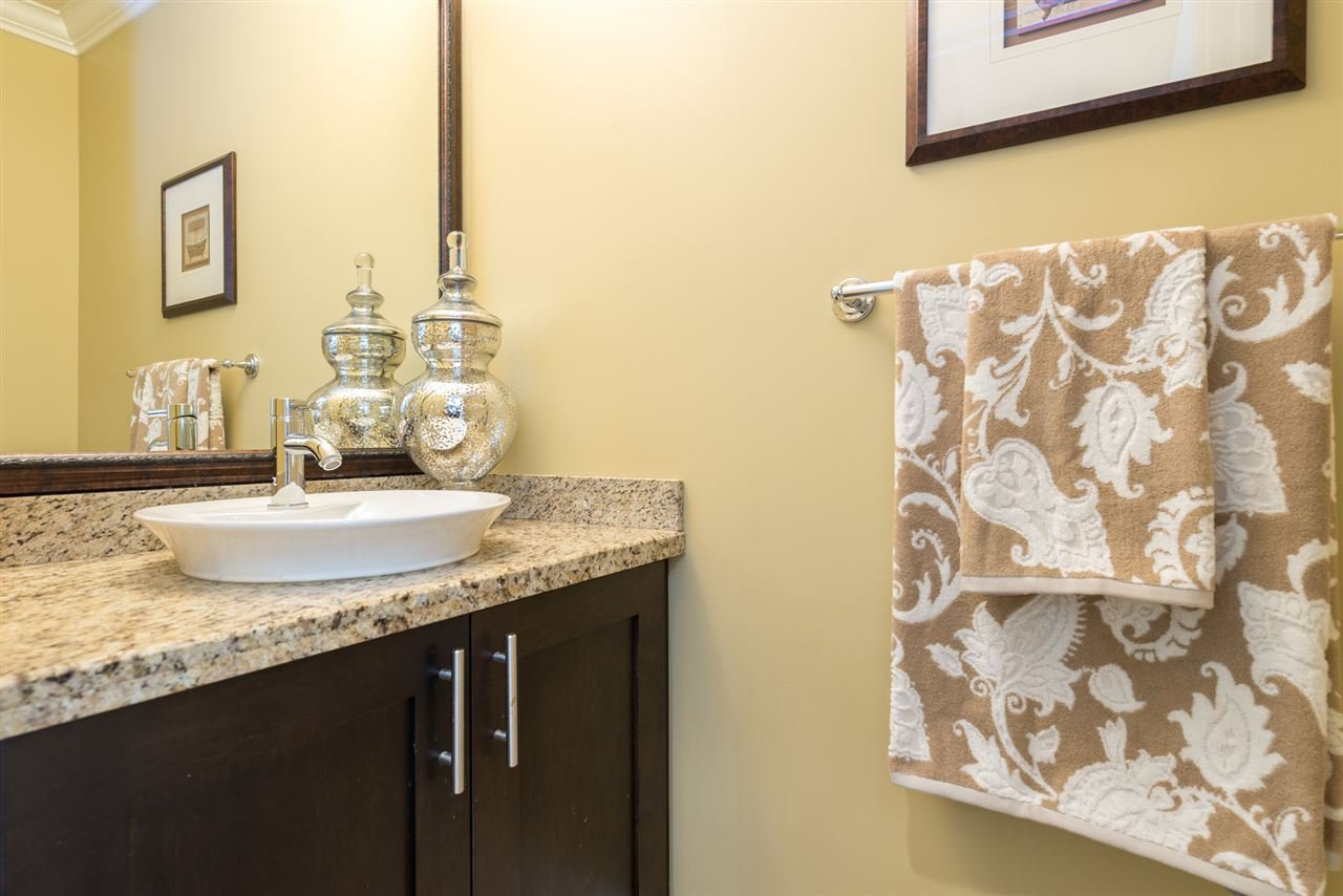 """Photo 5: Photos: 13 9733 NO 2 Road in Richmond: Lackner Townhouse for sale in """"TERASA GREEN"""" : MLS®# R2205305"""