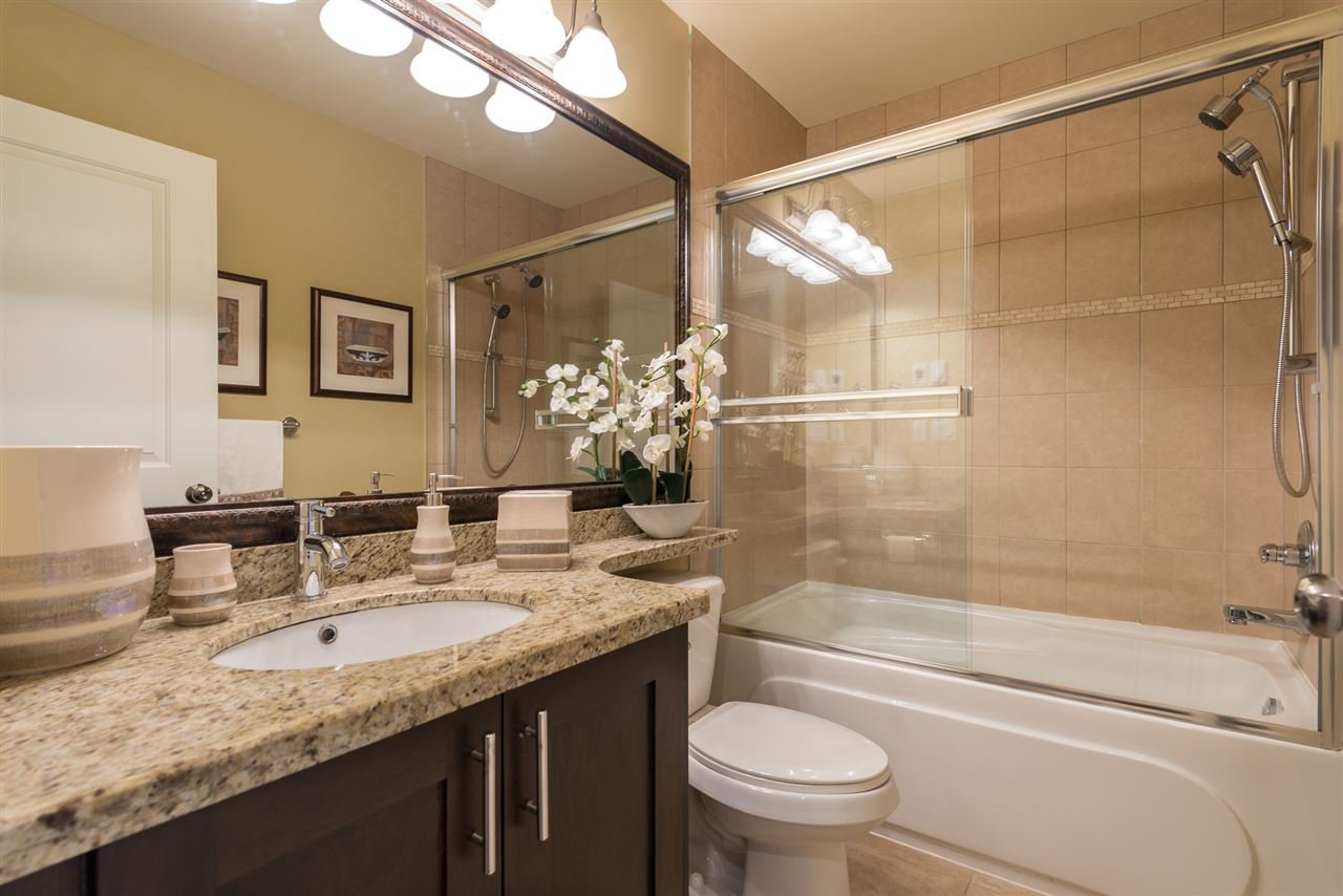 """Photo 10: Photos: 13 9733 NO 2 Road in Richmond: Lackner Townhouse for sale in """"TERASA GREEN"""" : MLS®# R2205305"""
