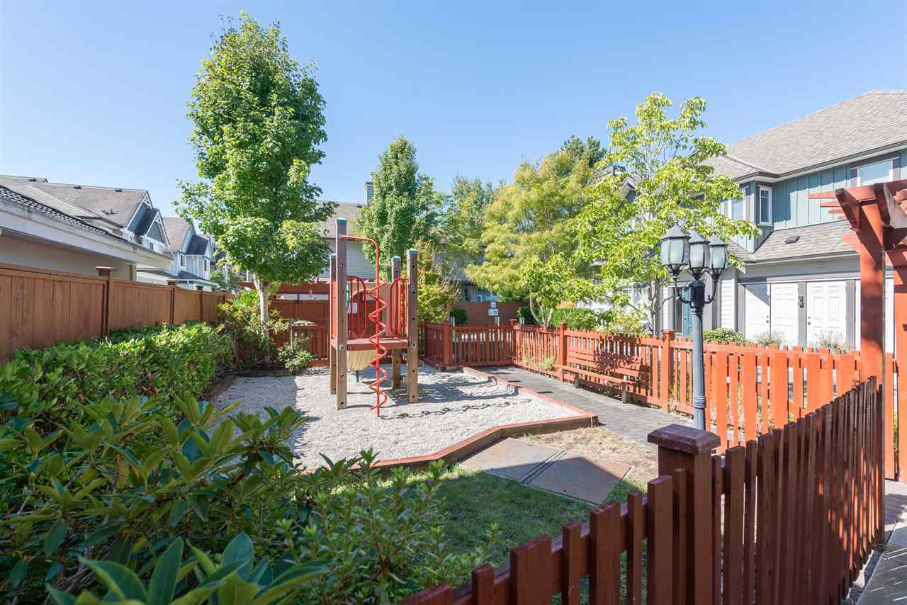 """Photo 14: Photos: 13 9733 NO 2 Road in Richmond: Lackner Townhouse for sale in """"TERASA GREEN"""" : MLS®# R2205305"""