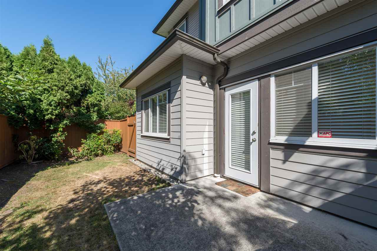 """Photo 13: Photos: 13 9733 NO 2 Road in Richmond: Lackner Townhouse for sale in """"TERASA GREEN"""" : MLS®# R2205305"""