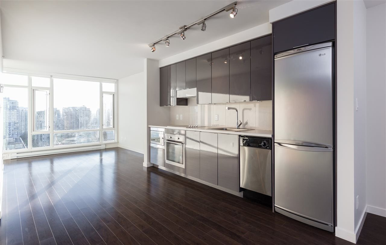 "Main Photo: 2507 161 W GEORGIA Street in Vancouver: Downtown VW Condo for sale in ""COSMO"" (Vancouver West)  : MLS®# R2211735"