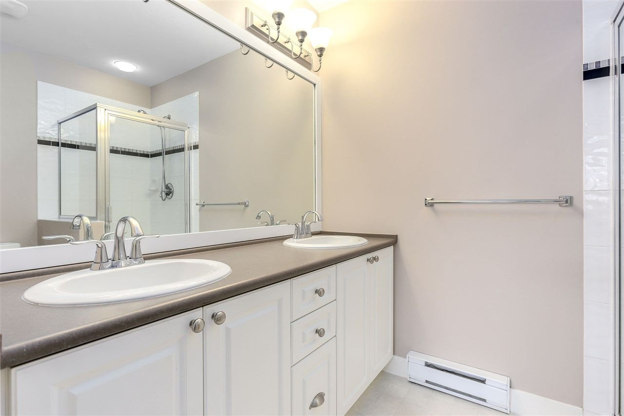 "Photo 13: Photos: 44 6568 193B Street in Surrey: Clayton Townhouse for sale in ""Belmont"" (Cloverdale)  : MLS®# R2289526"
