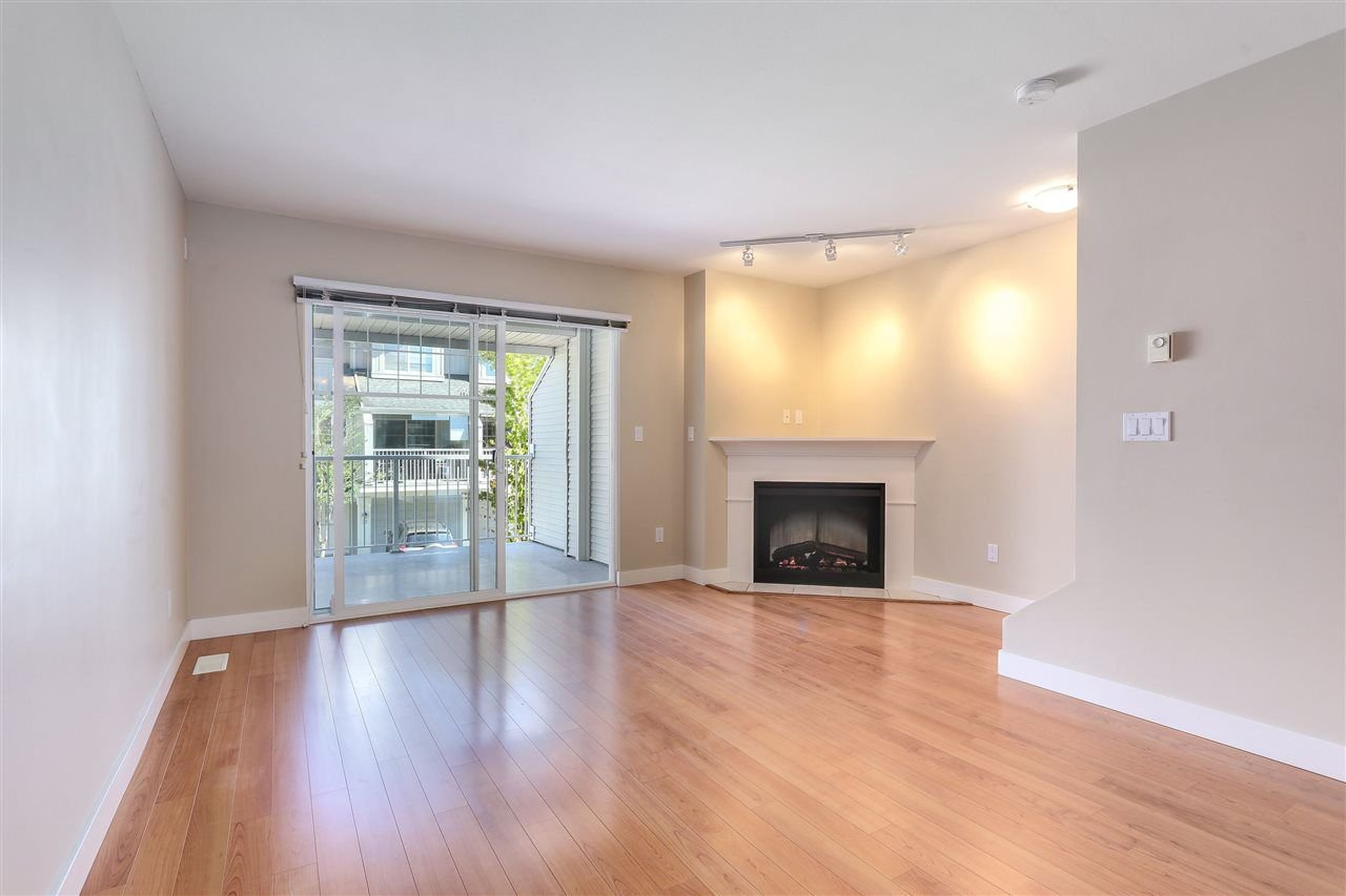 "Photo 8: Photos: 44 6568 193B Street in Surrey: Clayton Townhouse for sale in ""Belmont"" (Cloverdale)  : MLS®# R2289526"