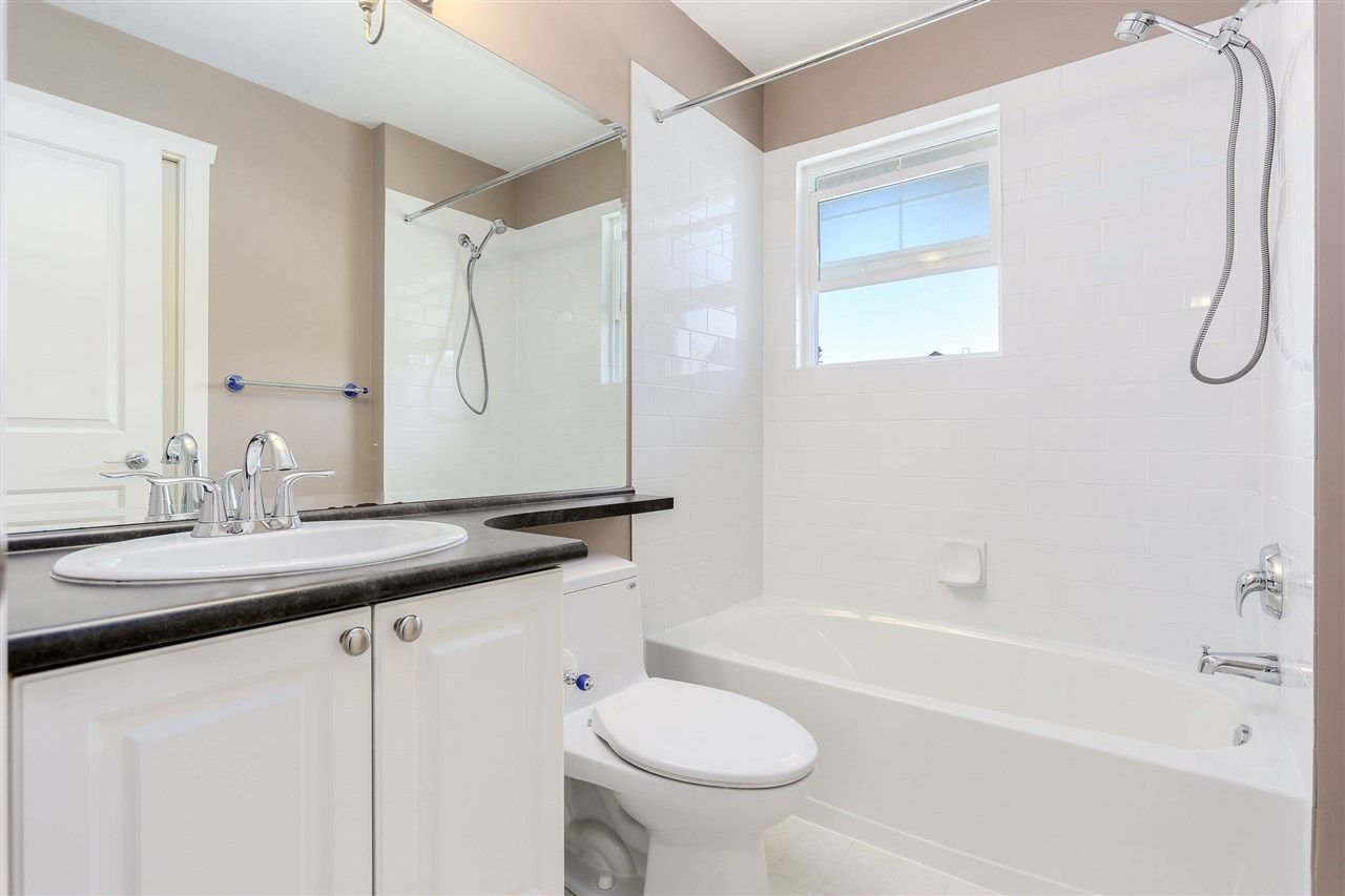 "Photo 17: Photos: 44 6568 193B Street in Surrey: Clayton Townhouse for sale in ""Belmont"" (Cloverdale)  : MLS®# R2289526"