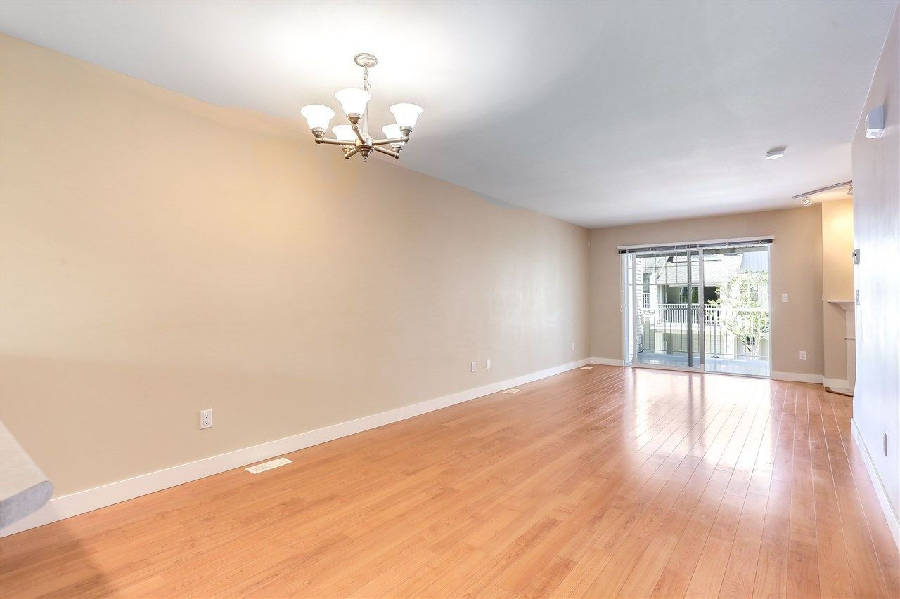 "Photo 6: Photos: 44 6568 193B Street in Surrey: Clayton Townhouse for sale in ""Belmont"" (Cloverdale)  : MLS®# R2289526"