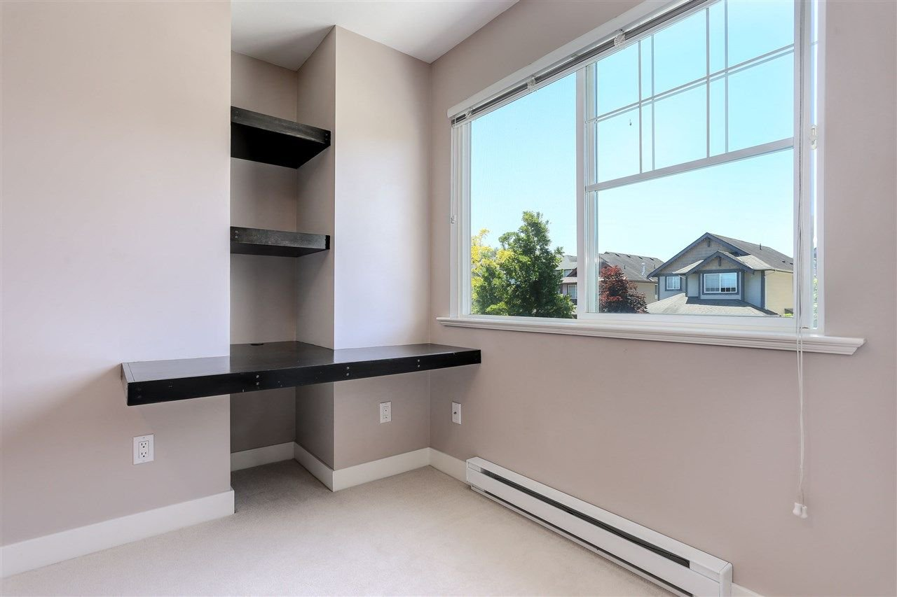 "Photo 15: Photos: 44 6568 193B Street in Surrey: Clayton Townhouse for sale in ""Belmont"" (Cloverdale)  : MLS®# R2289526"