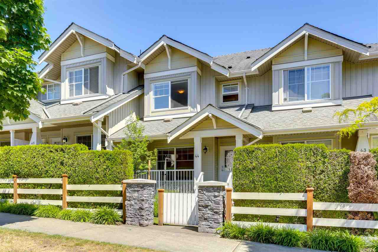 "Photo 1: Photos: 44 6568 193B Street in Surrey: Clayton Townhouse for sale in ""Belmont"" (Cloverdale)  : MLS®# R2289526"