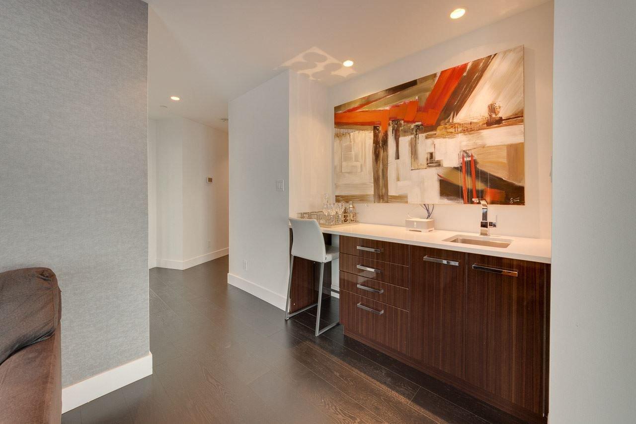 Photo 17: Photos: 2703 11969 JASPER Avenue in Edmonton: Zone 12 Condo for sale : MLS®# E4135423
