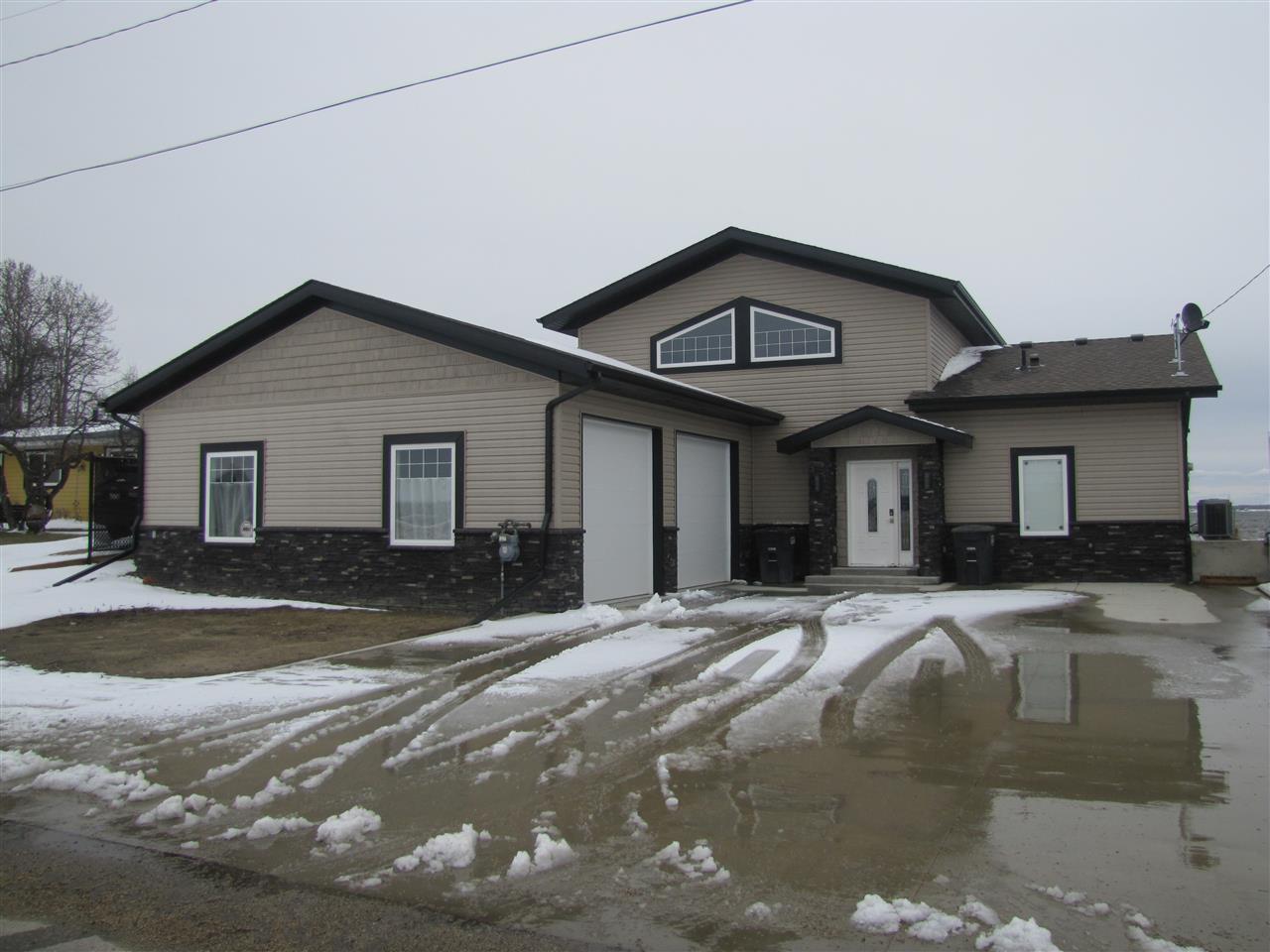 Main Photo: 6808 50 Avenue: Rural Lac Ste. Anne County House for sale : MLS®# E4142655