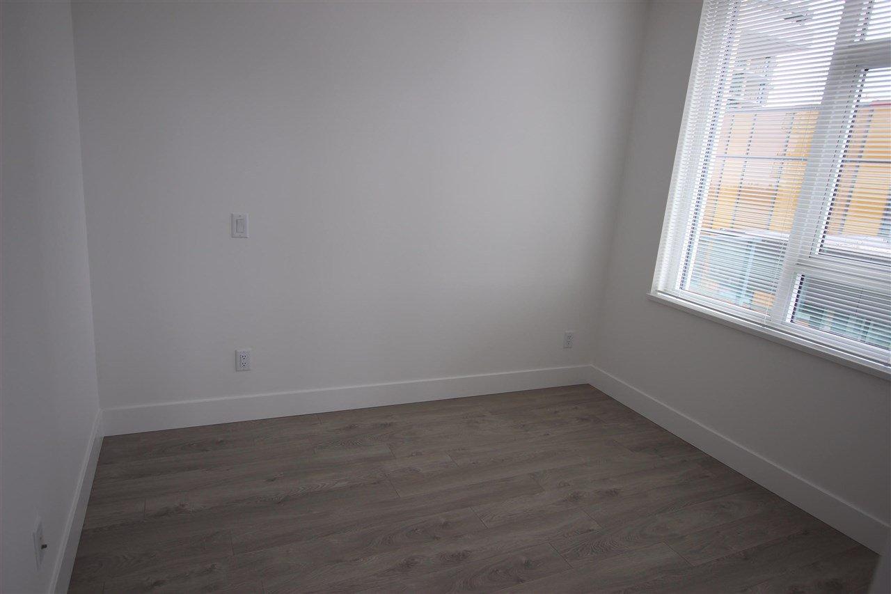 "Photo 12: Photos: 502 7303 NOBLE Lane in Burnaby: Edmonds BE Condo for sale in ""KINGS CROSSING II"" (Burnaby East)  : MLS®# R2403430"