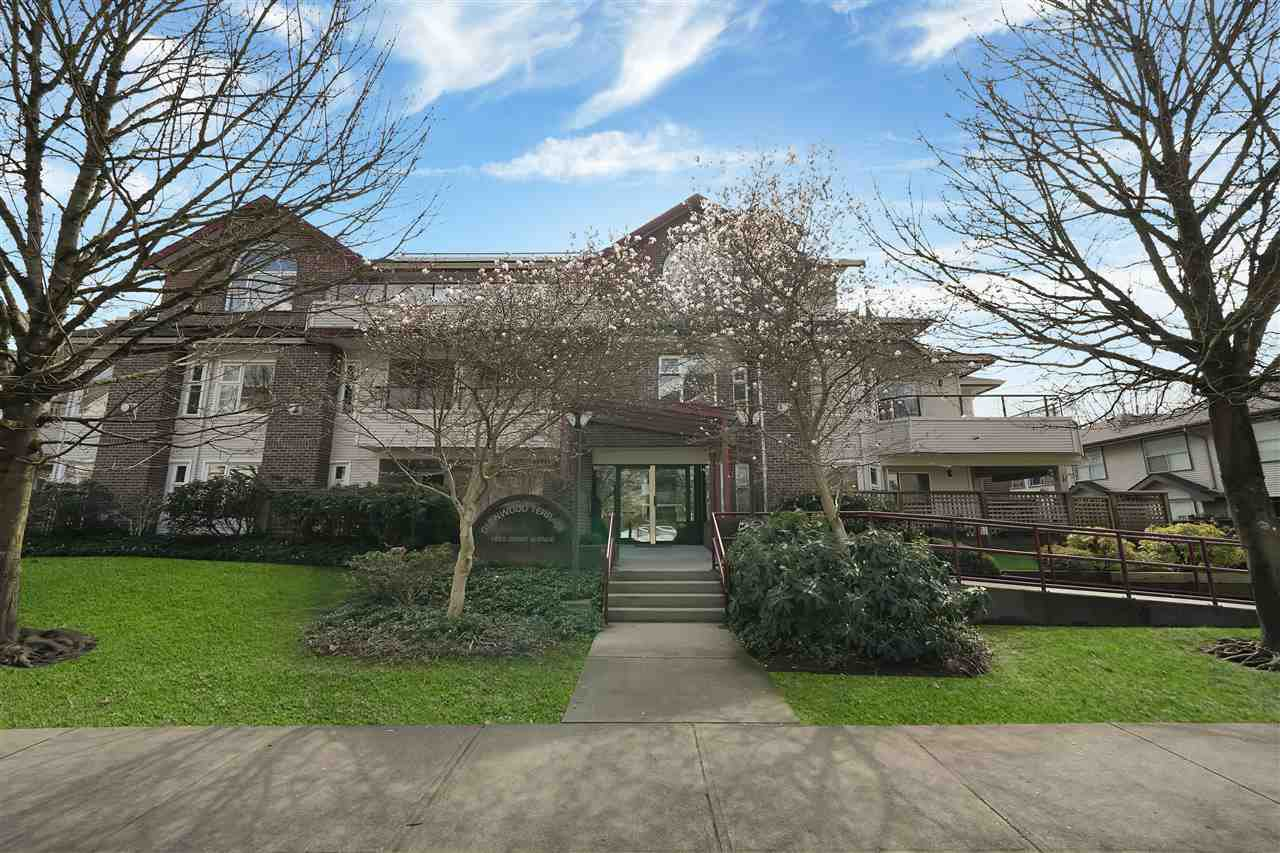 "Main Photo: 208 1668 GRANT Avenue in Port Coquitlam: Glenwood PQ Condo for sale in ""Glenwood Terrace"" : MLS®# R2457233"