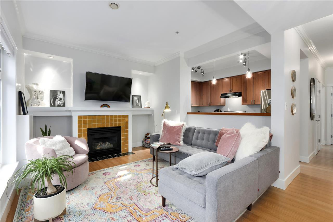 """Main Photo: 357 W 11TH Avenue in Vancouver: Mount Pleasant VW Townhouse for sale in """"Ardencraig"""" (Vancouver West)  : MLS®# R2474655"""