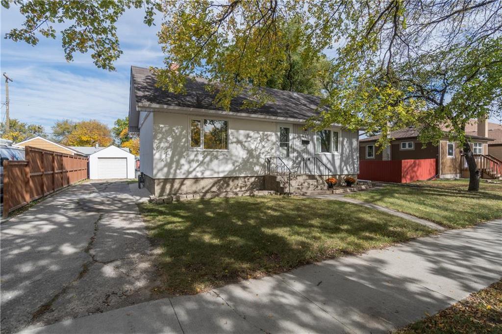 Main Photo: 415 Kildare Avenue West in Winnipeg: West Transcona Residential for sale (3L)  : MLS®# 202024912
