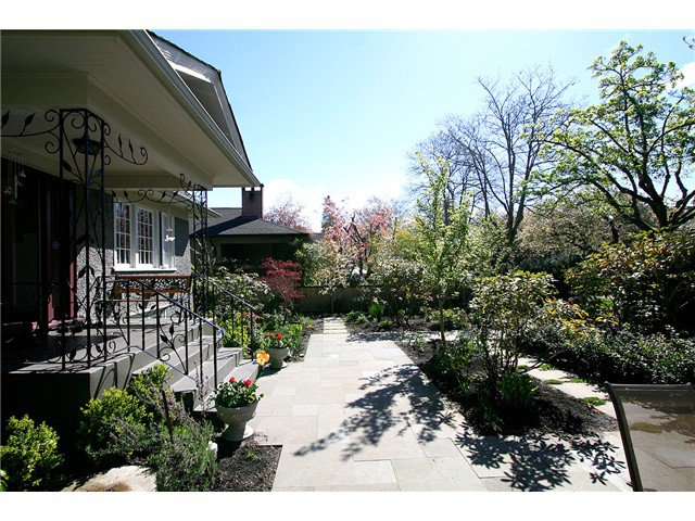 Photo 8: Photos: 4437 W 7TH Avenue in Vancouver: Point Grey House for sale (Vancouver West)  : MLS®# V885463