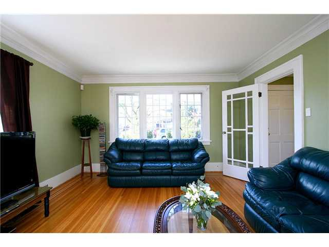 Photo 2: Photos: 4437 W 7TH Avenue in Vancouver: Point Grey House for sale (Vancouver West)  : MLS®# V885463