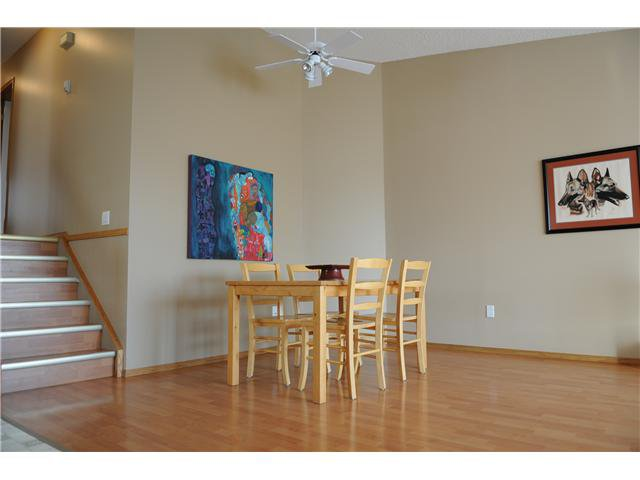 Photo 3: Photos: 38 ERIN LINK SE in CALGARY: Erinwoods Residential Detached Single Family for sale (Calgary)  : MLS®# C3497032
