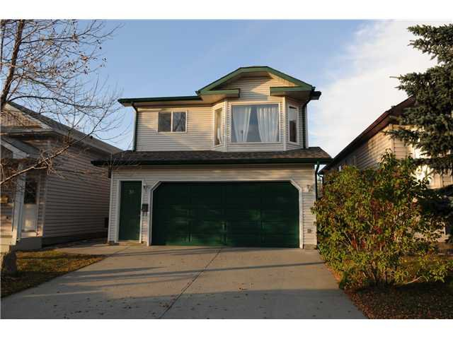 Photo 17: Photos: 38 ERIN LINK SE in CALGARY: Erinwoods Residential Detached Single Family for sale (Calgary)  : MLS®# C3497032