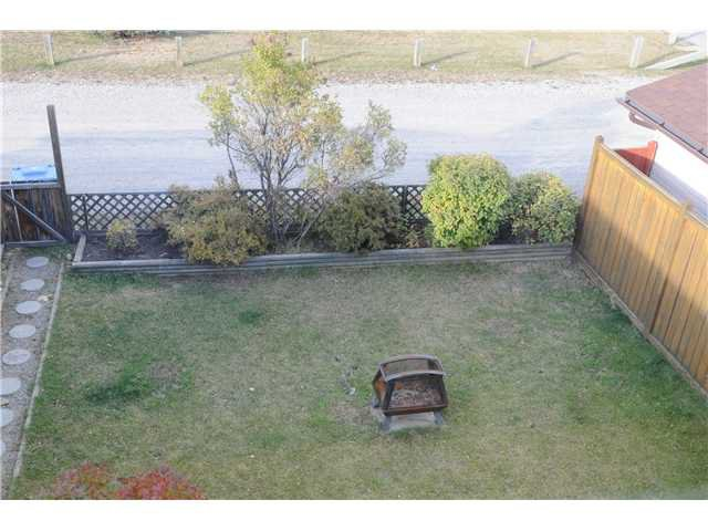 Photo 15: Photos: 38 ERIN LINK SE in CALGARY: Erinwoods Residential Detached Single Family for sale (Calgary)  : MLS®# C3497032