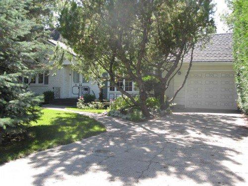 Main Photo: 35 Macalester Bay in Winnipeg: Fort Garry / Whyte Ridge / St Norbert Single Family Detached for sale (South Winnipeg)  : MLS®# 1216358